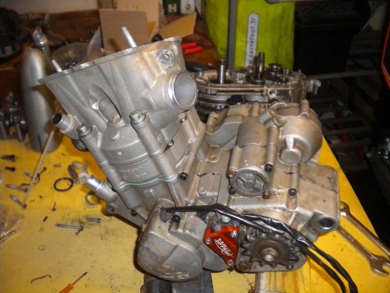 KTM 250 SXF 2006 - Partie moteur, démontage du haut moteur, cache culbuteur